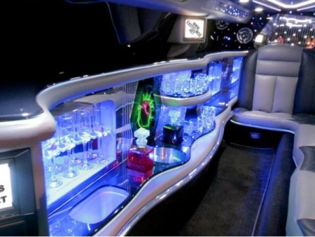 Chrysler-Limo-Pinnacle-Interior2